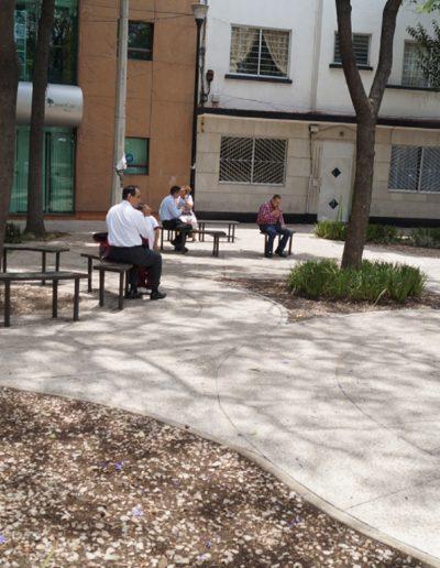 Mobiliario urbano en Plaza Necaxa