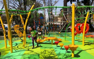 Nueva área recreativa para niños con juegos en el Jardín del arte